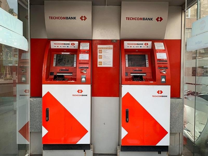khắc phục khi quá giờ làm việc ngân hàng Techcombank
